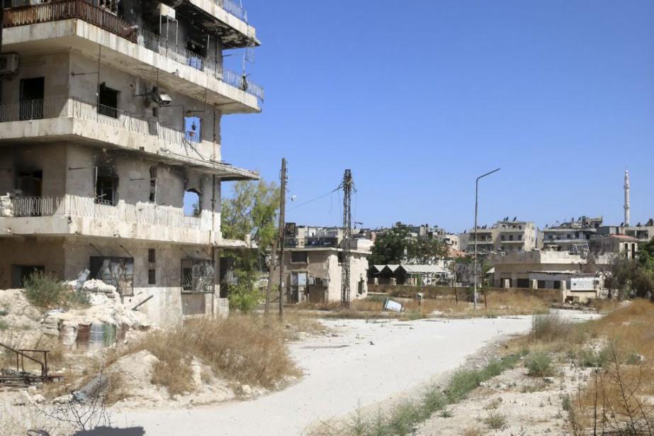 Sur la photo, la route que doivent emprunter... (PHOTO ABDALRHMAN ISMAIL, REUTERS)