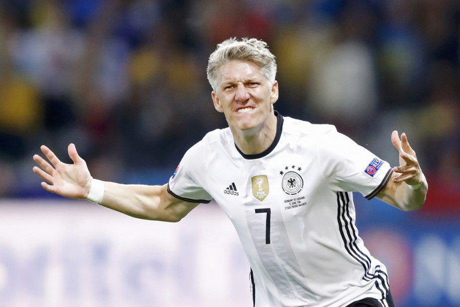 Bastian Schweinsteiger a disputé plus de 120 matchs... (photo Carl Recine/, archives REUTERS)