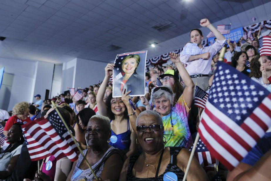 Hillary Clinton est entrée dans l'Histoire jeudi en... (photo EDUARDO MUNOZ ALVAREZ, afp)