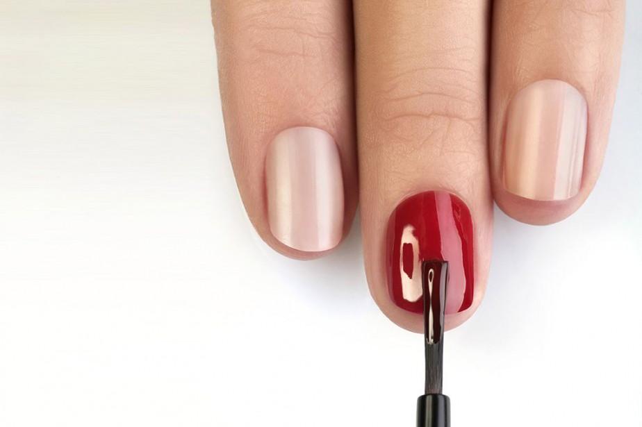 En matière de vernis à ongles, le rouge... (photo masterfile)