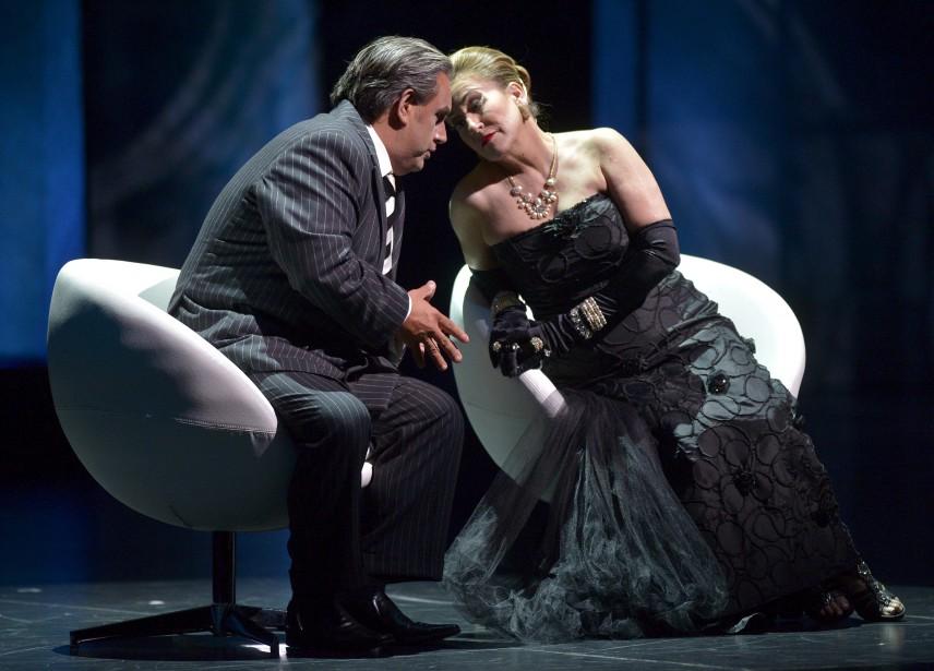 Marc Hervieux, dans le rôle de Zéro Janvier, et Lyne Fortin, dans le rôle de Stella Spotlight (Le Soleil, Yan Doublet)