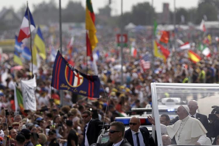 Entre 1,5 et trois millions de personnes ont... (PHOTO REUTERS)