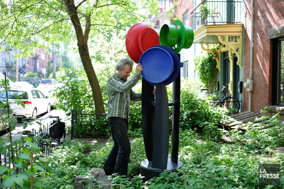 Peu d'oeuvres de Glen LeMesurier sont colorées. «Des... (Photo Martin Chamberland, La Presse)