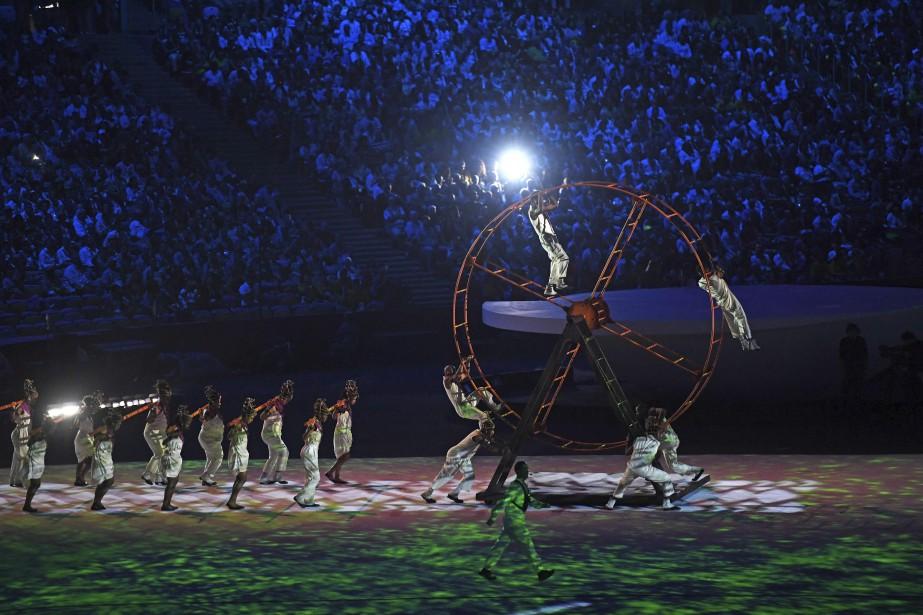 Performance d'acrobates (AFP, OLIVIER MORIN)
