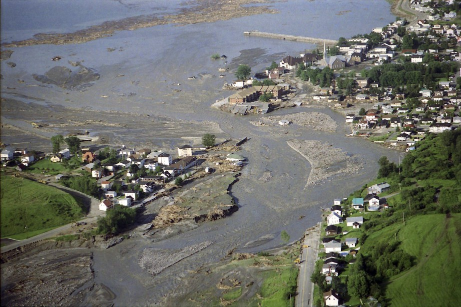 Embouchure de la rivière Ha! Ha! (après le déluge) (Archives Le Progrès-Dimanche, Jeannot Lévesque)