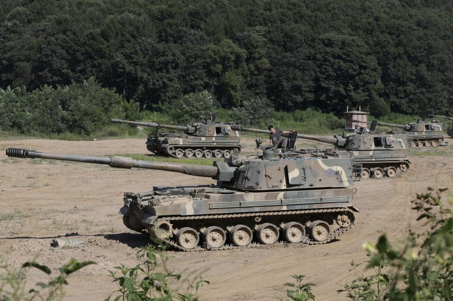 Des dizaines de milliers de militaires sud-coréens et... (PHOTO AP)