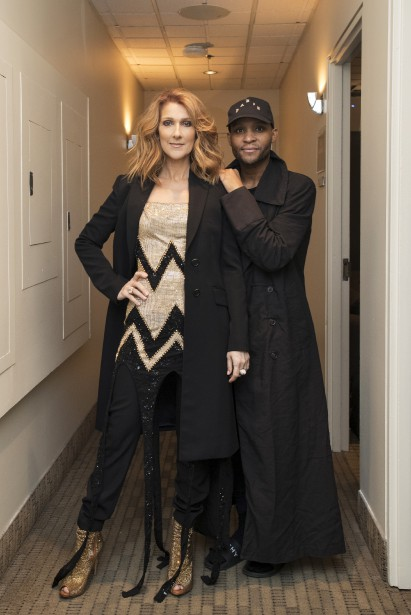 Manteauet pantalon Givenchy, robe Roberto Cavalli et bottes Le Silla (Olivier Samson Arcand/ OSAIMAGES)