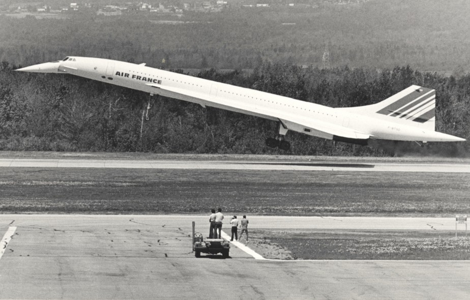 Le mythique avion supersonique Concorde a posé deux fois les roues à Québec, une fois en 1984 et l'autre en 1987 (photo). (Archives Le Soleil, Jean-Marie Villeneuve)