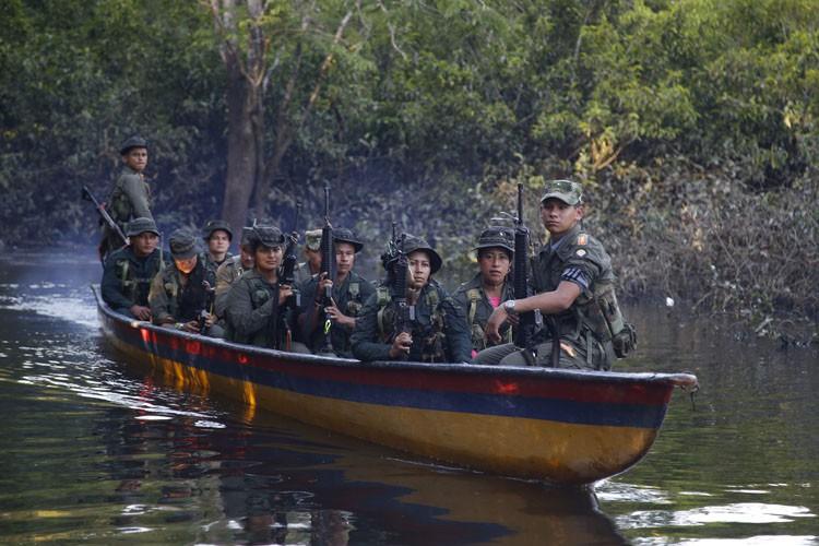 Les FARC, plus ancienne guérilla de Colombie issue... (Archives AP)