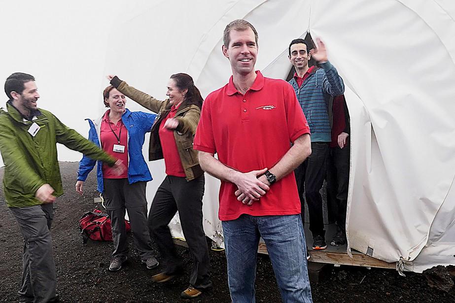 L'équipage comprenait un exobiologiste français, une physicienne allemande... (Photo UNIVERSITY OF HAWAII, via AFP)