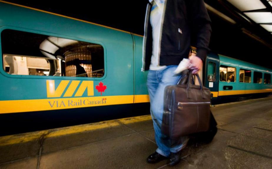 Le corridor économique Montréal-Québec bénéficierait de nombreuses retombées... (Photo archives La Presse Canadienne)