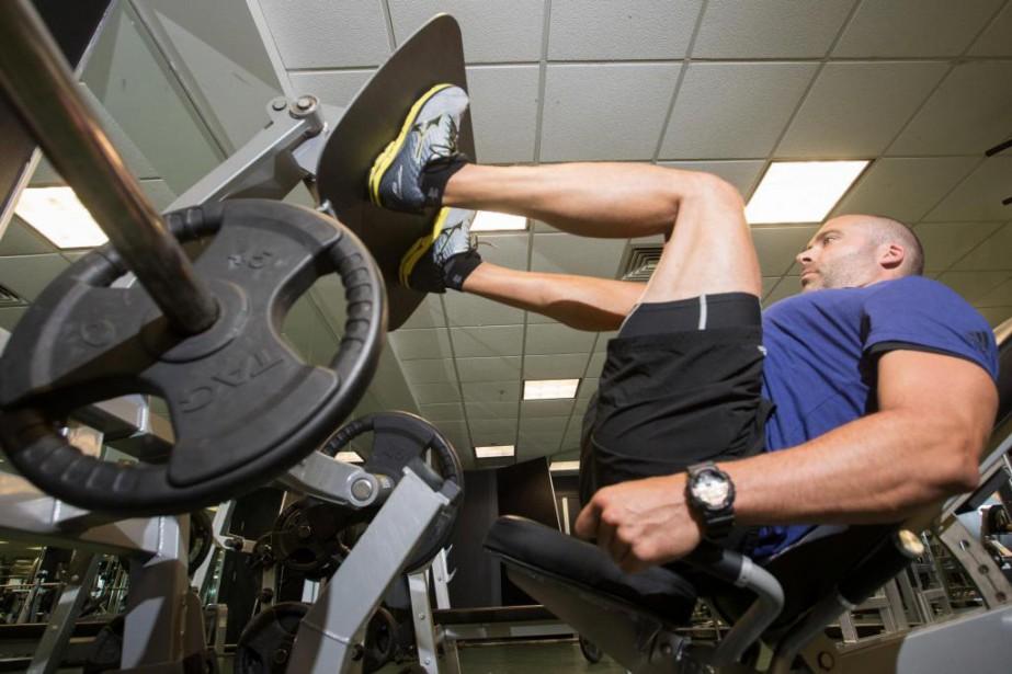 Un exercice d'extension des jambes (leg press).... (Photo Ivanoh Demers, La Presse)