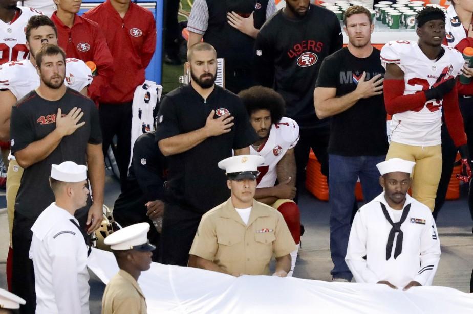Le quart-arrière des 49ers de San Francisco Colin... (Photo Chris Carlson, AP)