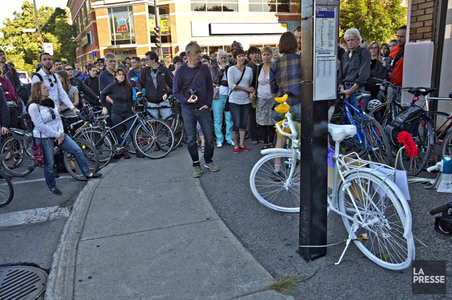 Un vélo fantôme a été installé vers 8h... (photo Patrick Sanfaçon, La Presse)