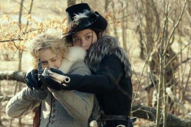 Sarah Gadon etMalin Buska dans The Girl King... (Photofournie par K-Films Amérique)