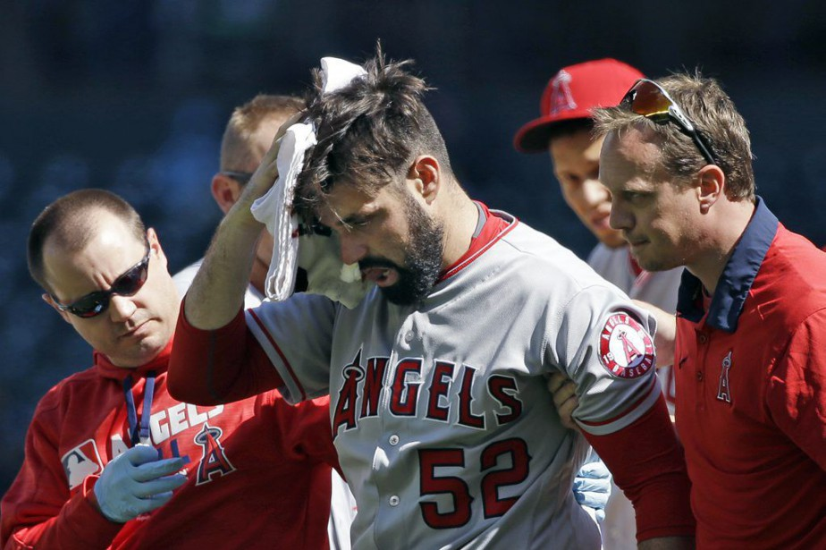 Matt Shoemaker a été atteint au côté droit de... (PHOTO ELAINE THOMPSON, AP)