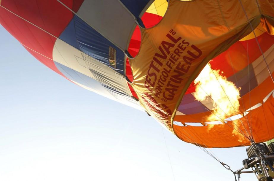 Derniere envolee de la fin de semaine au festival des montgolfieres de Gatineau (SimonSB)