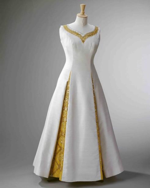 Robe portée par la reine lors d'une visite en Thaïlande en 1972 (Fournie par le Royal Collection Trust.)