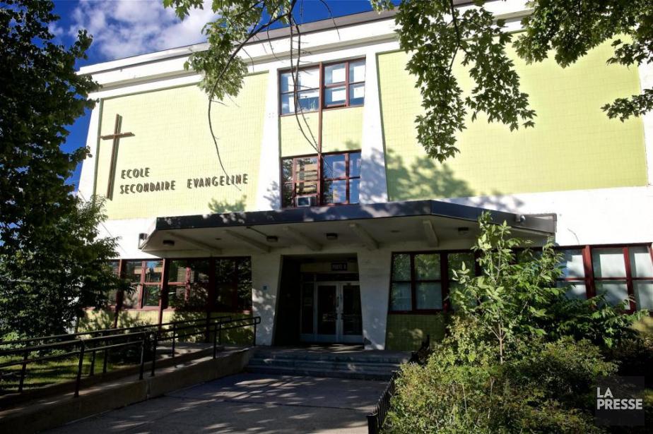 L'école Évangéline, située dans le nord de la... (PHOTO ANDRÉ PICHETTE, LA PRESSE)