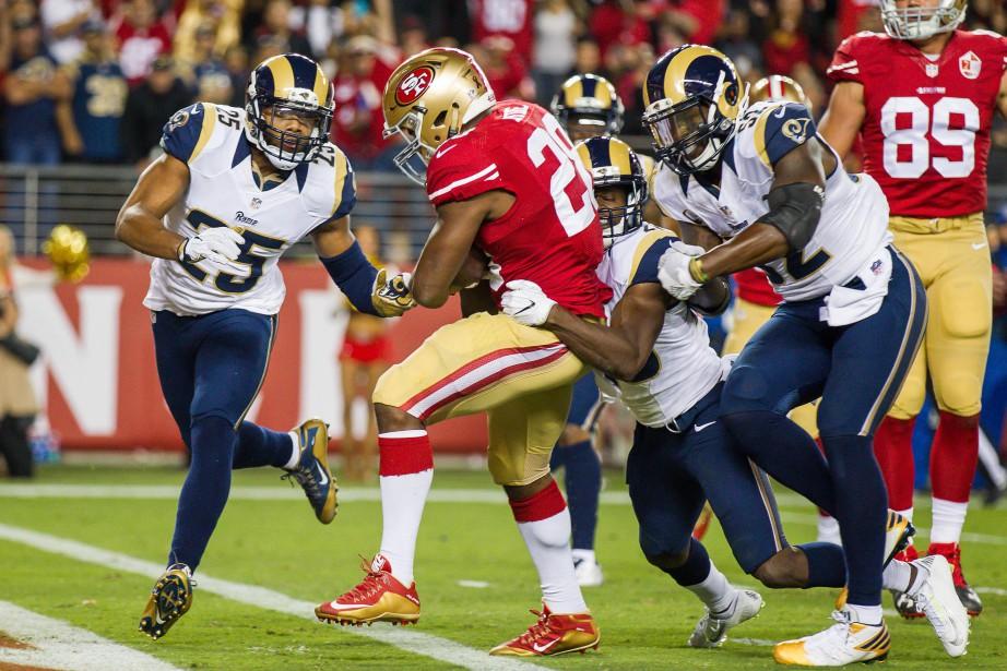 Carlos Hyde (28) a inscrit deux touchés dans... (Photo Kelley L Cox, USA Today Sports)