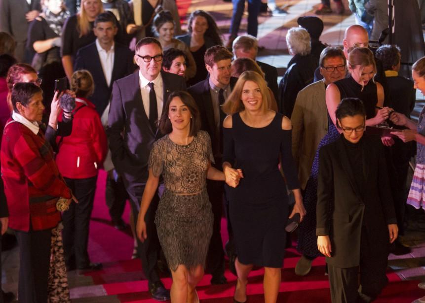 ChloéRobichauda gravi les marches du tapis rouge en compagnie de ses muses, Nathalie Doummar, Macha Grenonet Emily VanCamp. (Le Soleil, Caroline Grégoire)