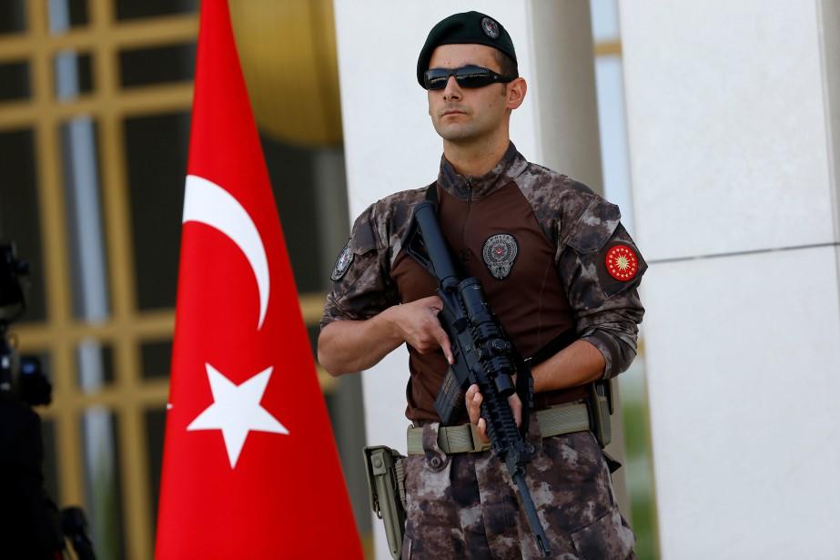 «Un assaillant a tenté d'entrer dans l'ambassade d'Israël... (REUTERS)