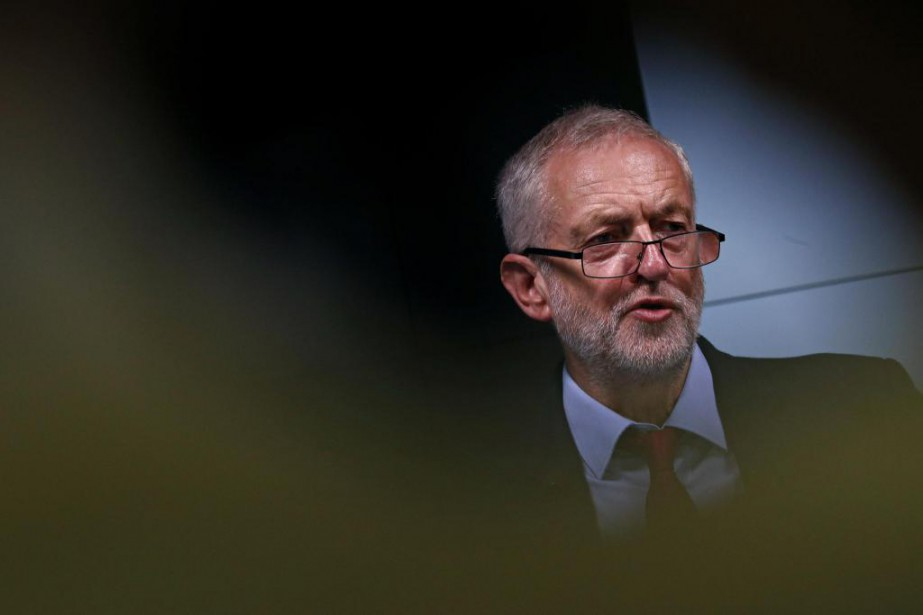 Le chef travailliste Jeremy Corbyn est loin de... (PhotoAdrian DENNIS, archives Agence France-Presse)