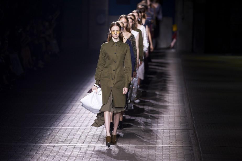 Mulberry s'inspire des uniformes d'écoliers pour son vestiaire bordeaux, jaune moutarde et vert olive. (AFP, Niklas Halle'n)