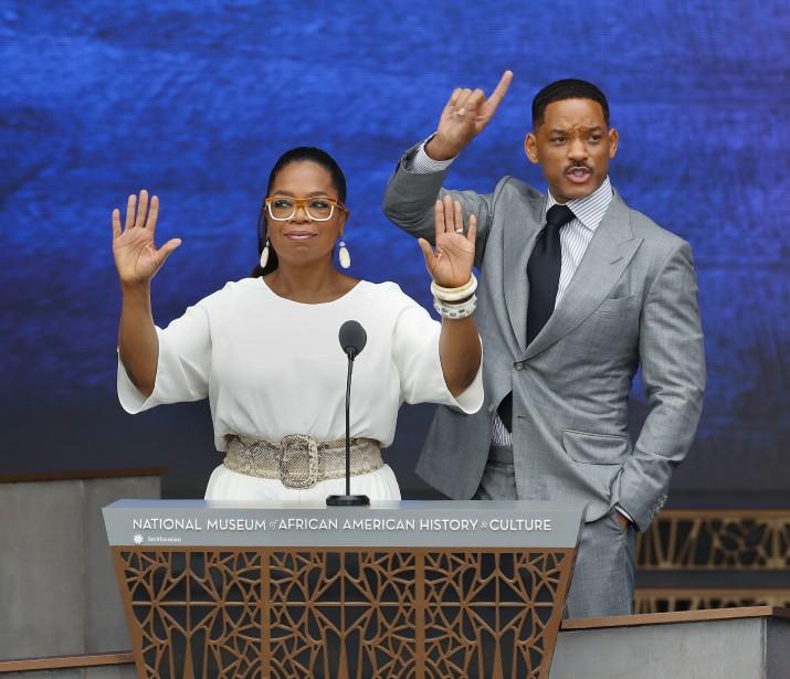 Plusieurs célébrités issues de la communauté afro-américaine ont pris part à la cérémonie, dont l'animatriceOprah Winfrey et l'acteur Will Smith. (AP, Pablo Martinez Monsivais)