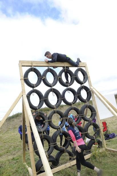 Différents obstacles avaient été installés sur le parcours de six kilomètres. (Photo Le Quotidien, Gimmy Desbiens)