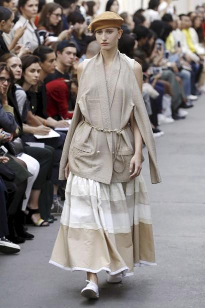Chez Nehera, le kimono est déconstruit, tout comme la veste de tailleur et le trench. (AFP, FRANÇOIS GUILLOT)