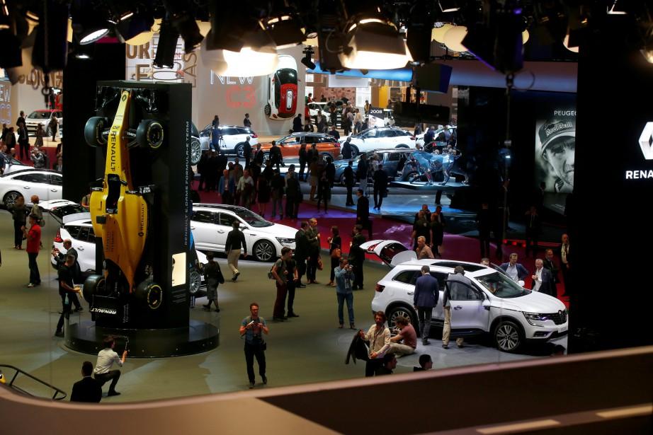 Les journalistes ont déferlé sur le Mondial de l'Automobile comme des sauterelles sur une récolte. (REUTERS)