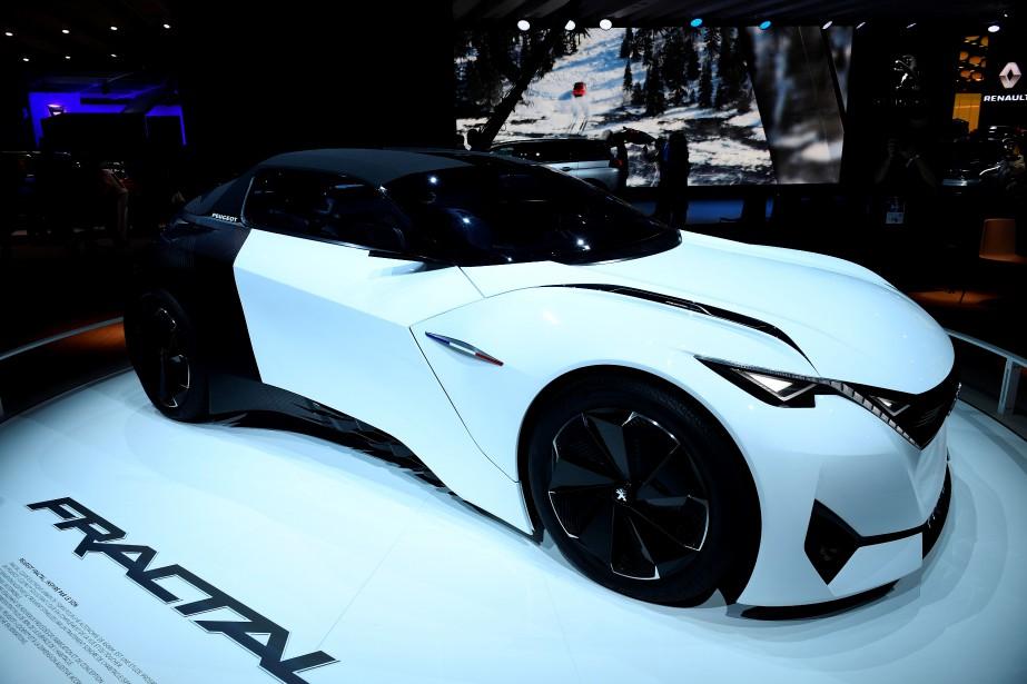 Le concept électrique Fractal n'est pas nouveau, mais Peugeot l'a quand même mis en évidence dans son stand. (AFP)