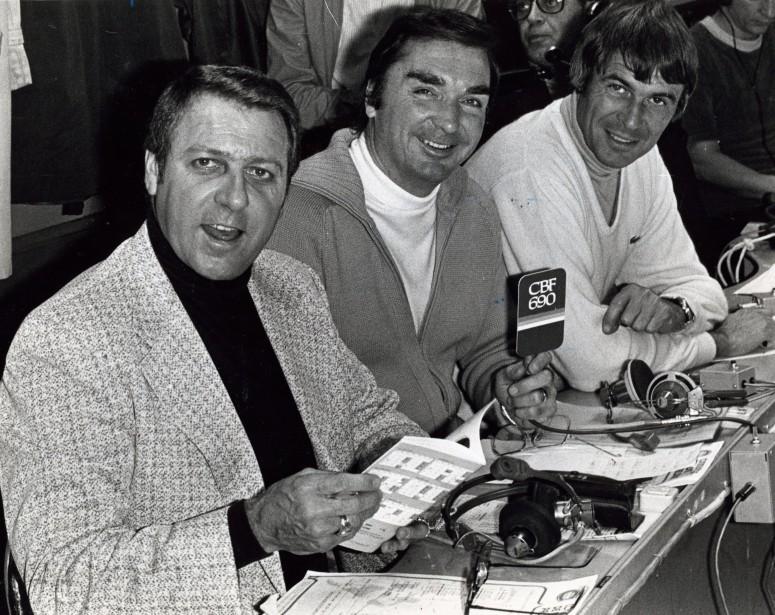 Lionel Duval (au centre) avec ses collègues de <em>La Soirée du hockey</em> Gilles Tremblay et Richard Garneau en 1979. (Photo archives La Presse)