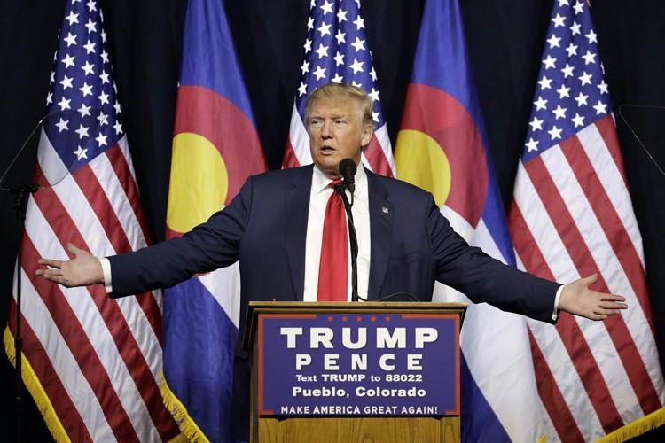 Donald trump attaqu sur ses imp ts ivan couronne for Attaque sur la maison blanche