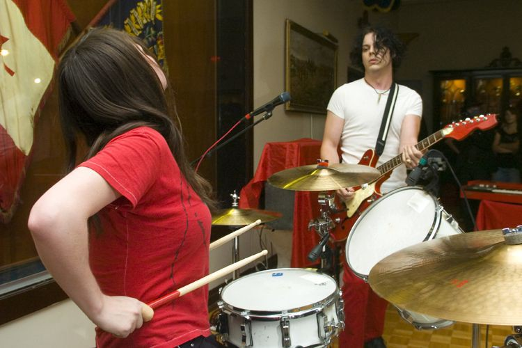 Meg et Jack White du groupe des White... (Archives La Presse, Martin Tremblay)