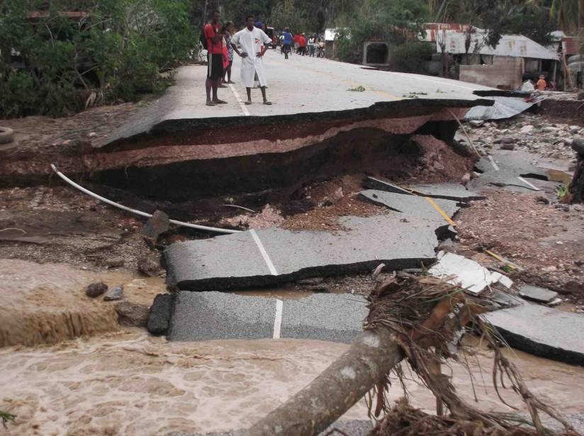 Des routes ont été coupées à Nippes par le passage de l'ouragan. (Fournie par Vision mondiale)