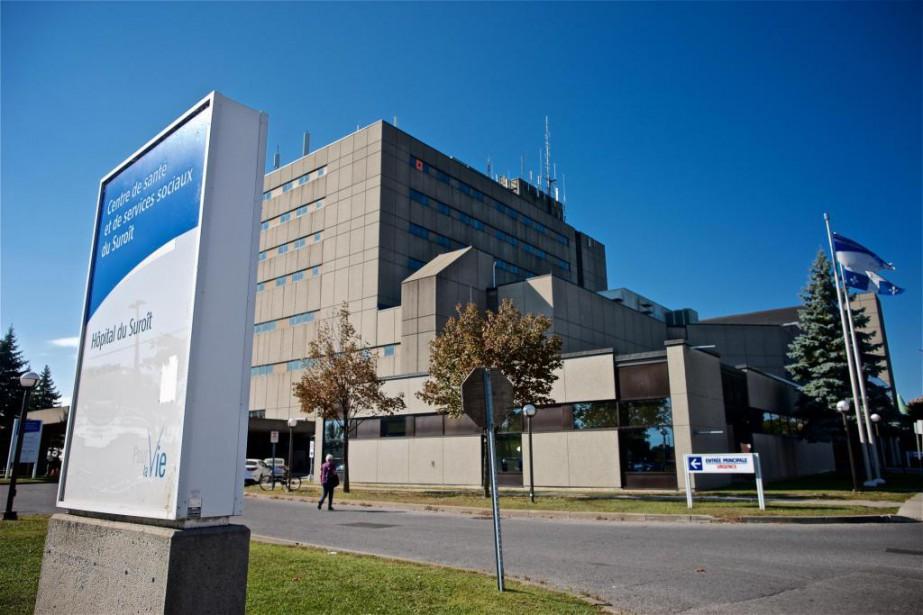 Les vitres de l'hôpital du Suroît devaient être... (PhotoAndré Pichette, La Presse)