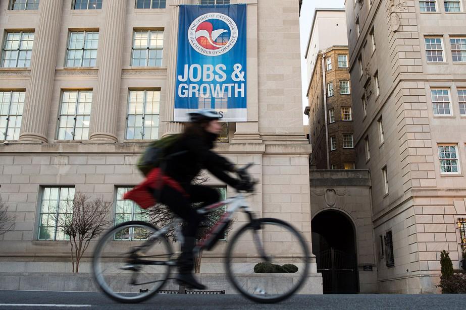 Les créations d'emplois aux... (PHOTO ANDREW CABALLERO-REYNOLDS, ARCHIVES AFP)