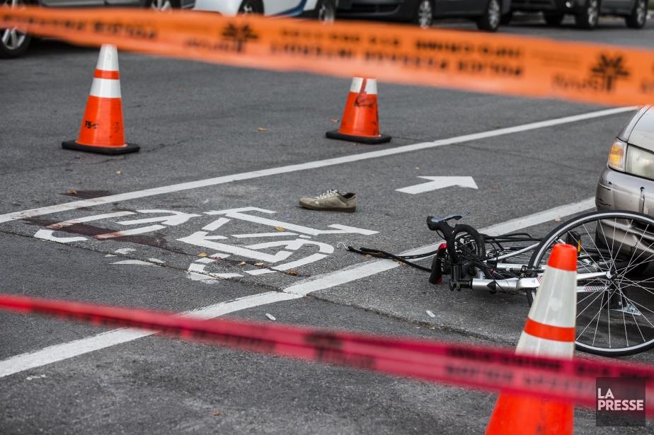 Un cycliste de 24 ansheurté par... (PHOTO EDOUARD PLANTE-FRECHETTE, La Presse)
