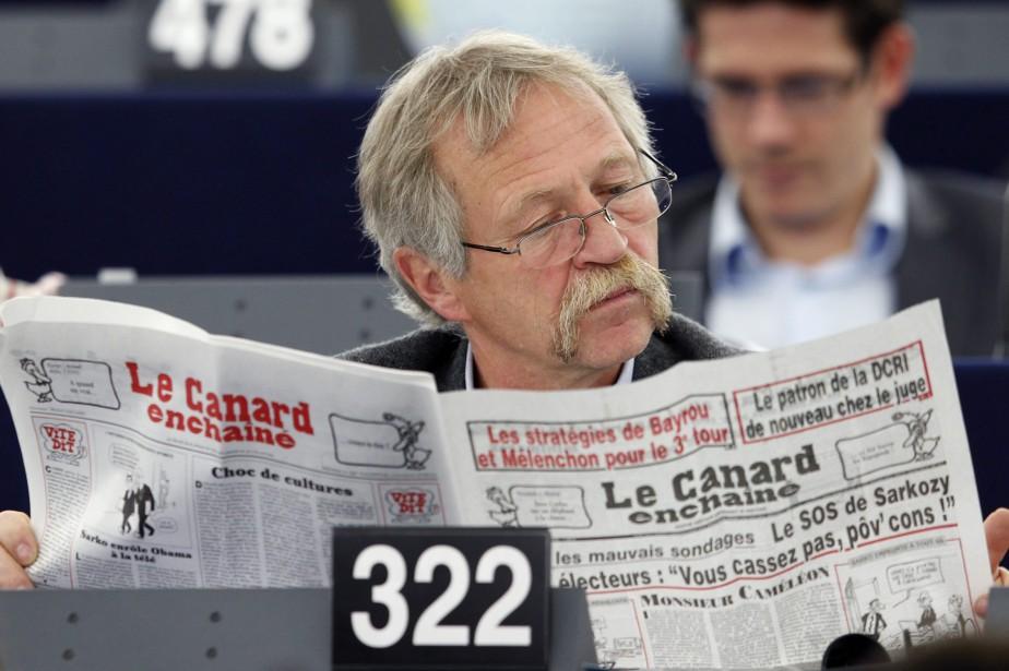 José Bové... (PHOTO VINCENT KESSLER, ARCHIVES REUTERS)