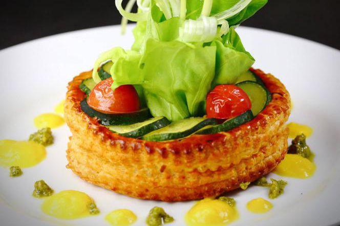 Une assiette au menu du Café Grévin signée... (PHOTO FOURNIE PAR LA MAISON CHRISTIAN FAURE)