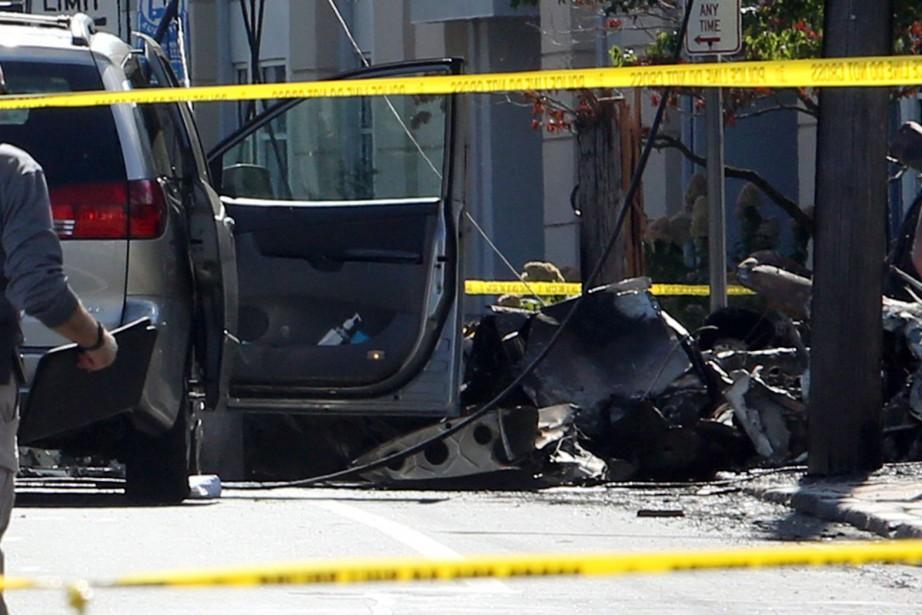 L'avion s'est écrasé mardi après-midi après avoir heurté... (PHOTO Michelle McLoughlin, Reuters)