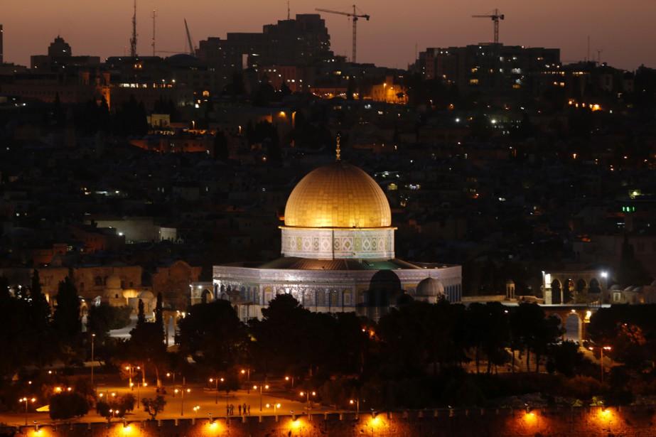 Une vue d'ensemble montre le dôme du Rocher,... (photoAHMAD GHARABLI, AFP)