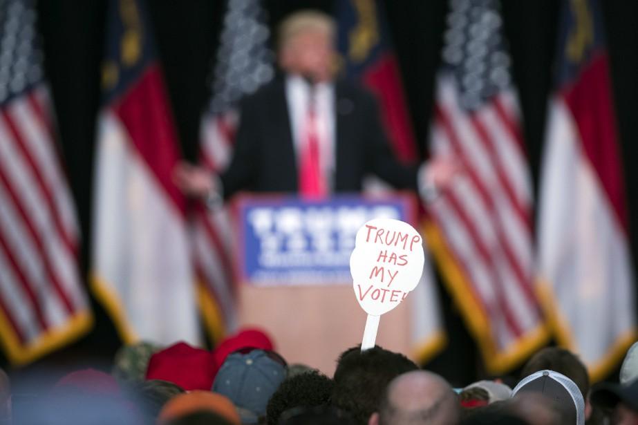 Malgré l'avalanche d'accusations contre l'homme d'affaires, les électeurs... (PHOTO AP)
