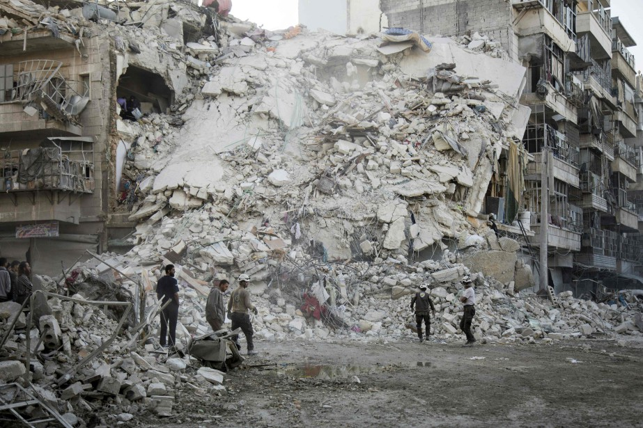 Un immeuble effondré à Alep.... (AFP, Karam Al-Masri)
