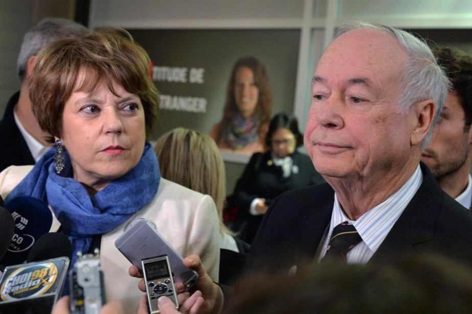 Le recteur de l'Université Laval,Denis Brière, était accompagné... (PhotoPatrice Laroche, Le Soleil)