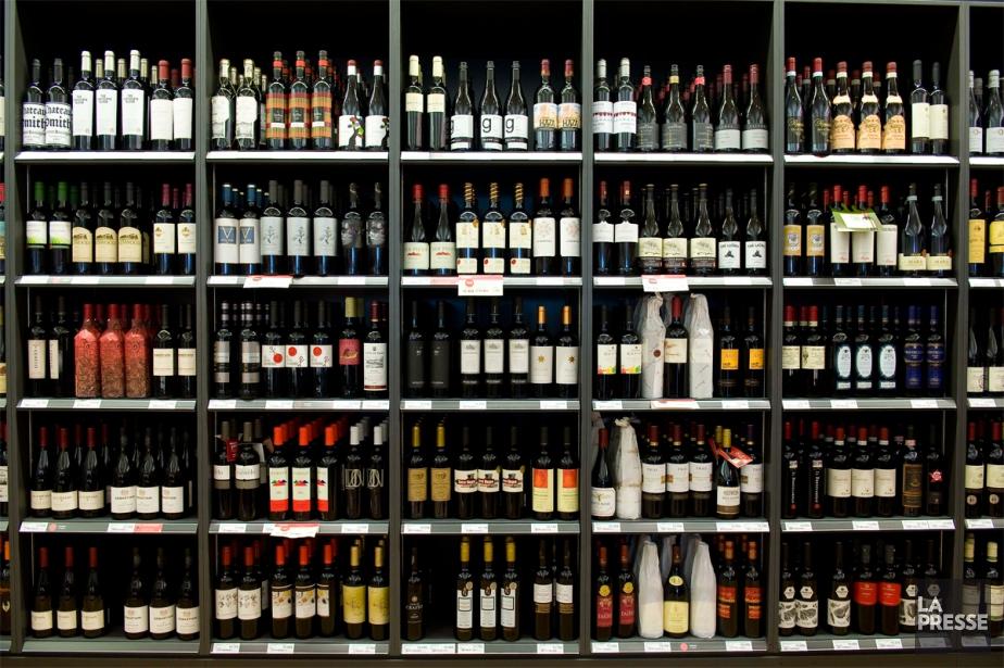 Plusieurs vignerons n'hésitent pas à adapter l'étiquette de... (PHOTO ARCHIVES LA PRESSE)
