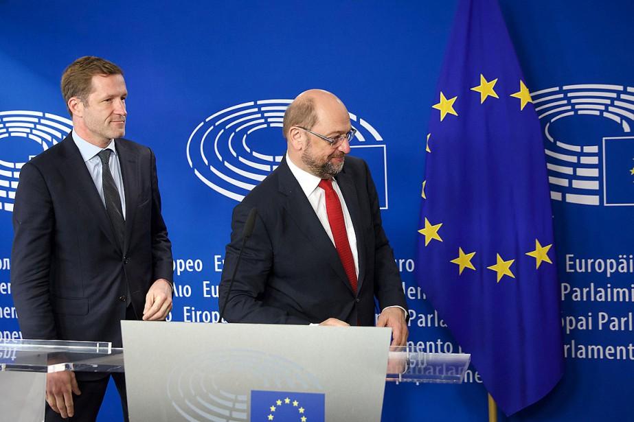 Le président du Parlement européen, Martin Schulz (à... (PHOTO NICOLAS MAETERLINCK, AFP)