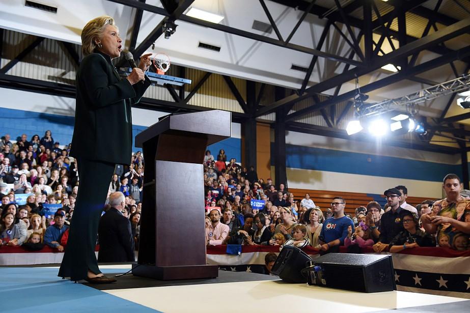 Hillary Clinton a fait campagne à Cleveland, en... (PHOTO ROBYN BECK, AFP)